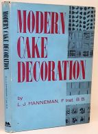 Modern Cake Decoration